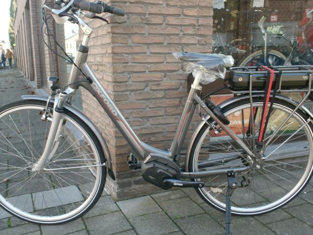 elektrische fietsen velotheek steeman. Black Bedroom Furniture Sets. Home Design Ideas